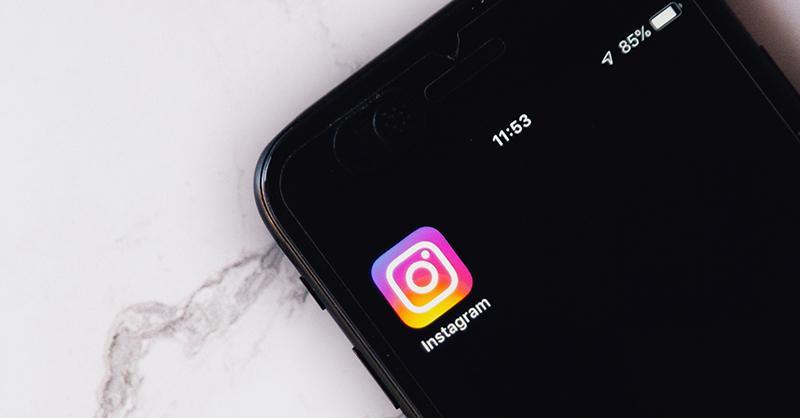 Instagram en un dispositivo móvil. Ya no aparecen los likes en Instagram